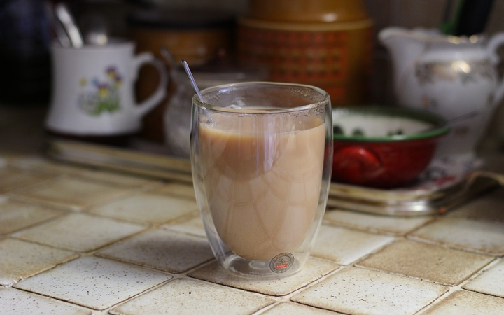 35cl (~12oz) Bodum Pavina (double walled thermo glass mug) containing a nice hot cup of tea.